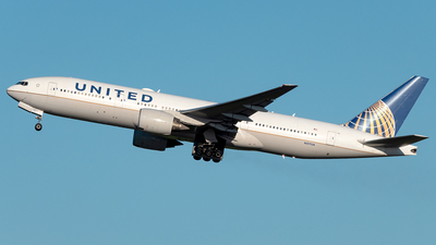 A picture of N217UA - Boeing 777222(ER) - United Airlines - © Yan777