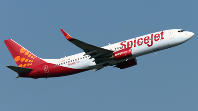 VT-SYH - Boeing 737-85R - SpiceJet