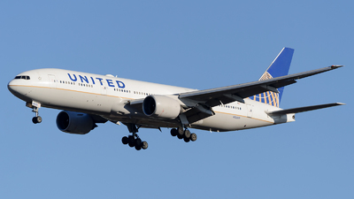 N223UA - Boeing 777-222(ER) - United Airlines