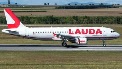 OE-LMJ - Airbus A320-214 - LaudaMotion