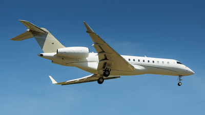 OY-LNA - Bombardier BD-700-1A10 Global Express XRS - ExecuJet Europe