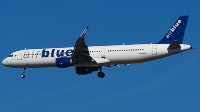 A picture of APBMW - Airbus A321211 - AirBlue - © Rana Suhaib