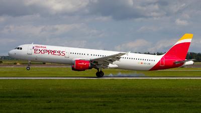 A picture of ECJDM - Airbus A321213 - Iberia Express - © Chr Pe