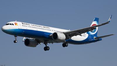 B-30E3 - Airbus A321-253NX - Chongqing Airlines