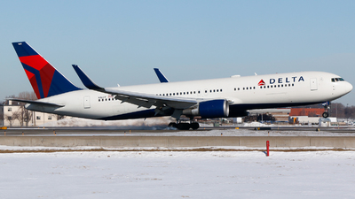 A picture of N1609 - Boeing 767332(ER) - Delta Air Lines - © Alec Mollenhauer