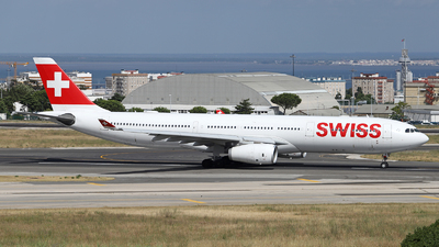 A picture of HBJHN - Airbus A330343 - Swiss - © luiscspvieira