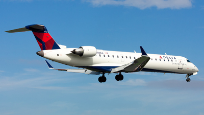 N658CA - Bombardier CRJ-701ER - Delta Connection (Comair)