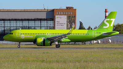 A picture of VPBSR - Airbus A320271N - S7 Airlines - © Alexander Listopad