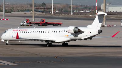 A picture of ECLJT - Mitsubishi CRJ1000 - Iberia - © Enrique Rubira