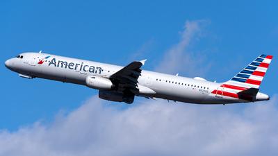 N920US - Airbus A321-231 - American Airlines