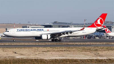 A picture of TCJOM - Airbus A330302 - Turkish Airlines - © Bora Polater