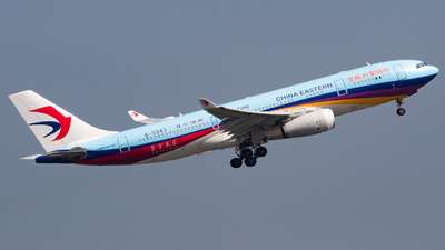 A picture of B5943 - Airbus A330243 - China Eastern Airlines - © RJL