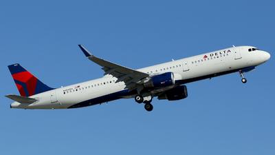 N124DX - Airbus A321-211 - Delta Air Lines