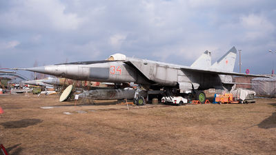 34 - Mikoyan-Gurevich MiG-25RBS Foxbat-D - Soviet Union - Air Force