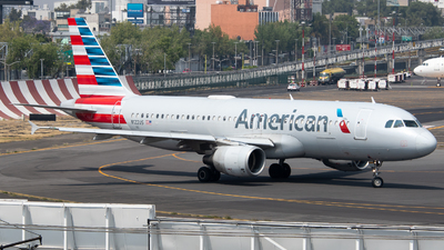 A picture of N122US - Airbus A320214 - American Airlines - © Juan Carlos Alvarez (MAS Aviation Press)