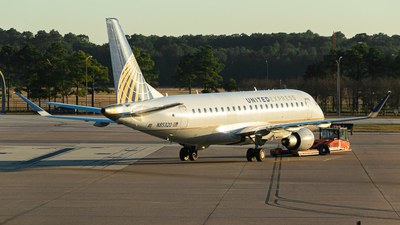 A picture of N85320 - Embraer E175LR - United Airlines - © Rodrigo Ehnis Borja