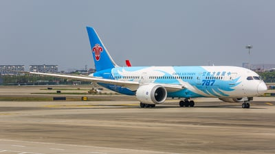 A picture of B2727 - Boeing 7878 Dreamliner - China Southern Airlines - © TMC_LOU8