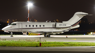 A picture of CSCHD - Bombardier Challenger 350 - NetJets - © C. v. Grinsven