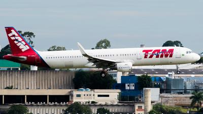 PT-XPN - Airbus A321-211 - TAM Linhas Aéreas
