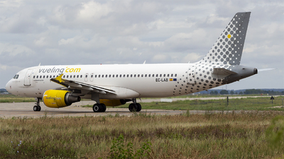 EC-LAB - Airbus A320-214 - Vueling