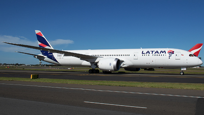 A picture of CCBGO - Boeing 7879 Dreamliner - LATAM Airlines - © Matthew McDonald