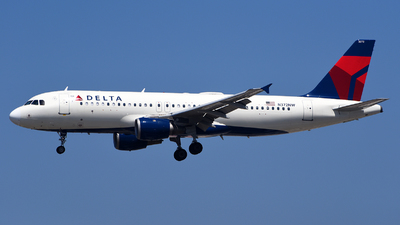 A picture of N372NW - Airbus A320212 - Delta Air Lines - © Rocky Wang