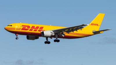 A picture of DAEAK - Airbus A300B4622R(F) - DHL - © vwmatze