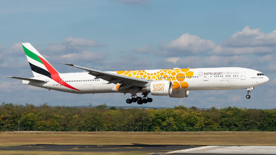 A6-ENG - Boeing 777-31HER - Emirates
