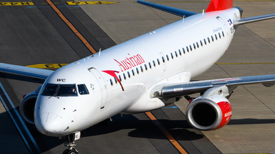 A picture of OELWC - Embraer E195LR - Austrian Airlines - © Chris Jilli