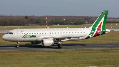 EI-DTJ - Airbus A320-216 - Alitalia