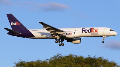 A picture of N794FD - Boeing 757222(SF) - FedEx - © Mark Szemberski