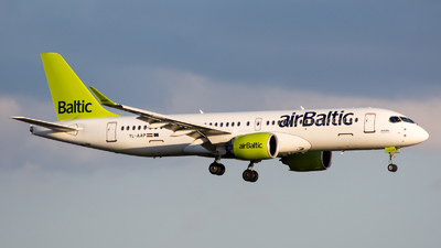 YL-AAP - Airbus A220-371 - Air Baltic
