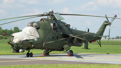 732 - Mil Mi-24W Hind E - Poland - Army
