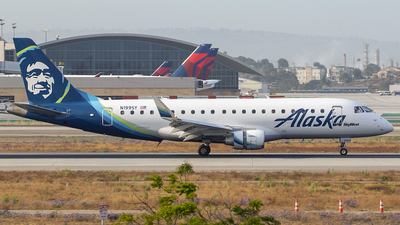 A picture of N199SY - Embraer E175LR - Alaska Airlines - © Nelson Mejia