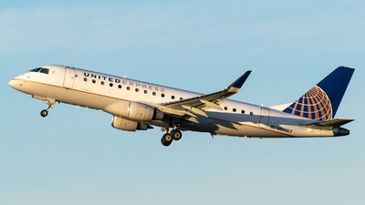 A picture of N87353 - Embraer E175LR - United Airlines - © Evan Dougherty