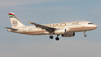 A6-EIQ - Airbus A320-232 - Etihad Airways