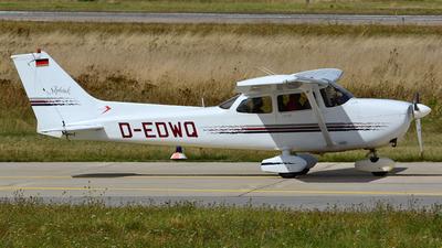 A picture of DEDWQ - Cessna 172R Skyhawk - [17280536] - © Thomas Schmidt-Blindenhöfer