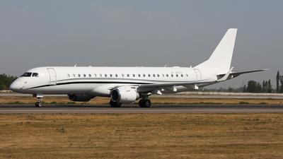 M-AKKU - Embraer 190 Lineage 1000 - Private