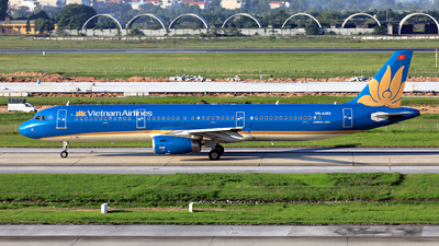 A picture of VNA363 - Airbus A321231 - Vietnam Airlines - © photogiap