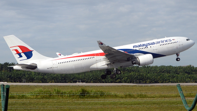 9M-MTW - Airbus A330-223 - Malaysia Airlines