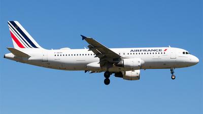 A picture of FGKXH - Airbus A320214 - Air France - © Melanie Niedermeier