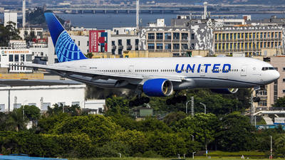 A picture of N771UA - Boeing 777222 - United Airlines - © Terry_Chen