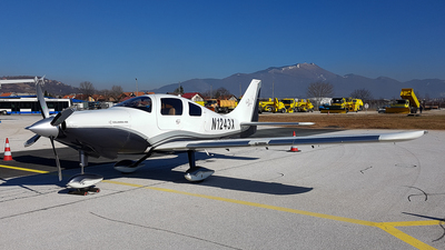 N1243X - Cessna 400 - Private