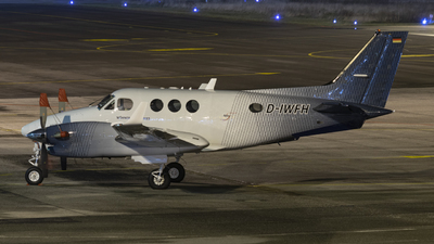 D-IWFH - Beechcraft 90 King Air - Private