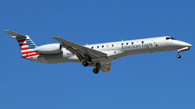 N633AE - Embraer ERJ-145LR - American Eagle (ExpressJet Airlines)