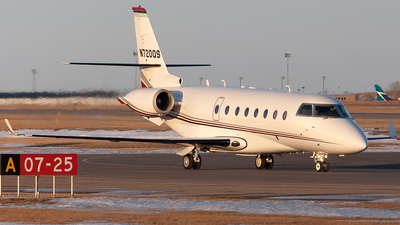 A picture of N720QS -  - [] - © Mike MacKinnon