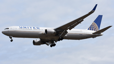 A picture of N658UA - Boeing 767322(ER) - United Airlines - © Wes B