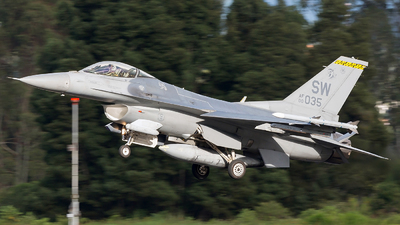 00-6035 - Lockheed Martin F-16D Fighting Falcon - United States - US Air Force (USAF)