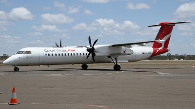 A picture of VHQOB - De Havilland Canada Dash 8400 - QantasLink - © Wal Nelowkin