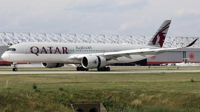 A picture of A7AMK - Airbus A350941 - Qatar Airways - © Hongyu Wang